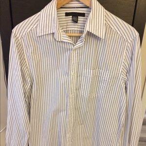 Kenneth Cole dress shirt. Worn lightly.
